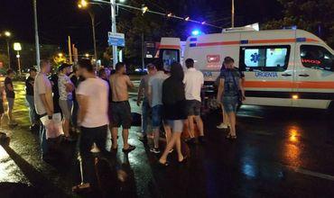 В столице ночью автомобиль сбил пешеходов: водитель пытался сбежать