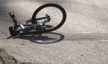 В Унгенах 9-летнего мальчика во время езды на велосипеде сбила машина