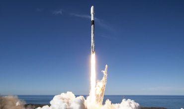 SpaceX запустила ракету Falcon 9.