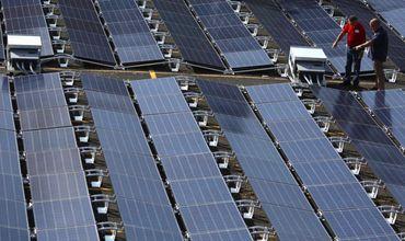 Tesla тайно меняет пожароопасные солнечные панели