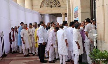 Срок полномочий действующего президента Пранаба Мукерджи истекает 24 июля.