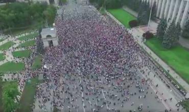 Протесты против решения о признании выборов примара Кишинева недействительными продолжаются.