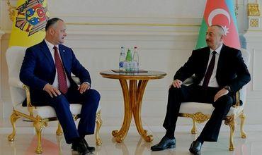 Додон совершает визит в Баку по приглашению Алиева