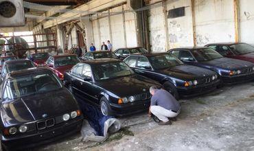 ВБолгарии нашли склад сзабытыми новыми BMW.