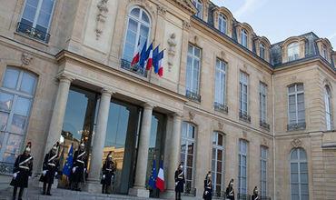 Французские власти опасаются государственного переворота.