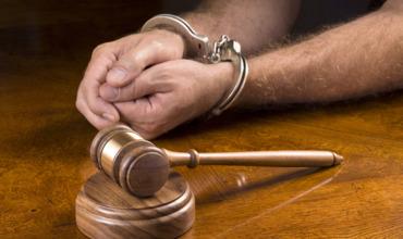 Жителя Бричан, убившего собутыльника за 50 леев, осудили на 9 лет.