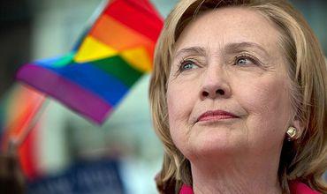 Хиллари на своей страничке в Facebook призналась, что гордится решением Верховного суда США разрешить однополые браки.