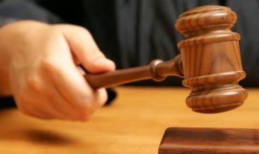 Столичный адвокат предстанет перед судом за получение взятки.