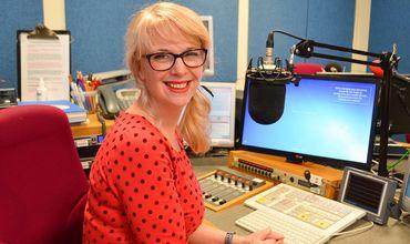 Радиоведущая ушла домой посреди эфира и покончила с собой.