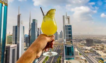 Власти Дубая ввели 30-дневное разрешение на алкоголь для туристов.