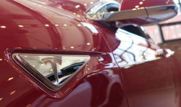 Американская автокомпания Tesla Motors представила новую аккумуляторную батарею.
