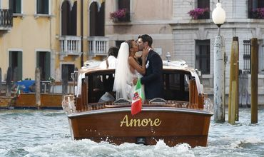 ქორწილია, ქორწილი: ფეხბურთელები მასობრივად ქორწინდებიან (ფოტოები)