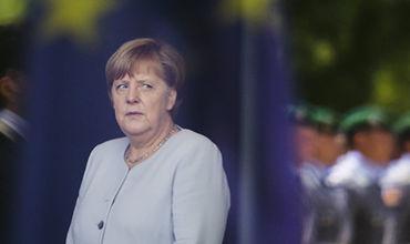 Меркель призвала Европу исследовать причины появления беженцев.