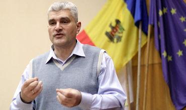 """Слусарь квалифицирует обещания Игоря Додона как """"электоральный шантаж""""."""
