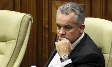 Dacă Plahotniuc nu se va înainta pe el, aș vrea să văd cine va fi înaintatul? Foto: politik.md