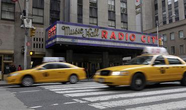 По данным нью-йоркских властей, лишь около 4% таксистов мегаполиса были рождены на территории США.