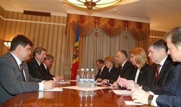 Игорь Додон принял у себя в резиденции правительственную делегацию из Беларуси.