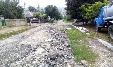 На ремонт дороги к гимназии в Тараклии не хватает средств.