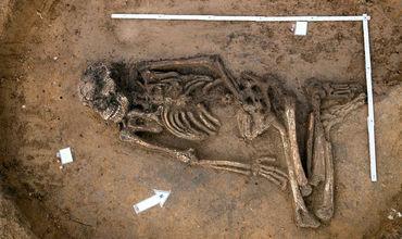 На поле близ баварского городка Китцинген археологи обнаружили останки мужчины, умершего 6500 лет назад, в эпоху неолита.
