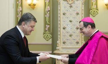 Украина проиграла на всех фронтах, считает Папский нунций.
