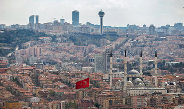 Парламент Турции в четвертый раз продлил на 90 дней режим ЧП.