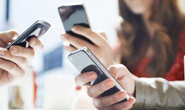 Volumul vânzărilor de servicii de telefonie mobilă este în scădere. Foto: ProduseOnline