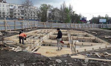 """Начались работы по реконструкции фонтана в парке """"Долина роз"""""""