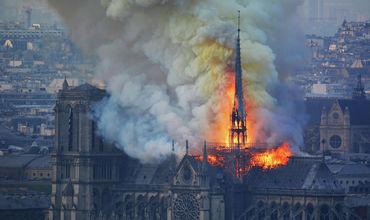 Восстановление собора после пожара займет по меньшей мере десять лет.