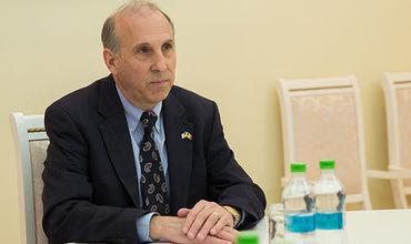 Посол США в Кишиневе Джеймс Петтит.