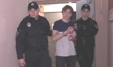 В Киеве 15-летний парень напал с ножом на мать и бабушку.