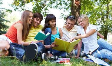 Во Франции из-за жары перенесли школьные экзамены.