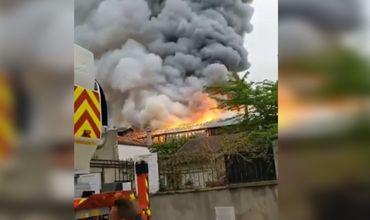 В Версале произошел сильный пожар