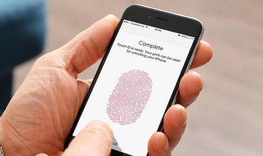Apple вернет Touch ID в iPhone.