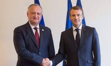 Додон поздравил Макрона с Национальным днем Французской республики/