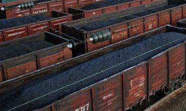 По предварительным данным, повреждены опоры контактной сети и 300 метров железнодорожного полотна.
