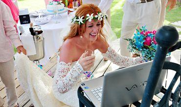 В Италии впервые заключили «дистанционный брак» по Skype.