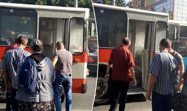 В столичном троллейбусе произошло задымление.
