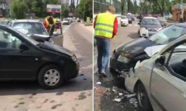 На Мунчештском шоссе столкнулись два легковых автомобиля.