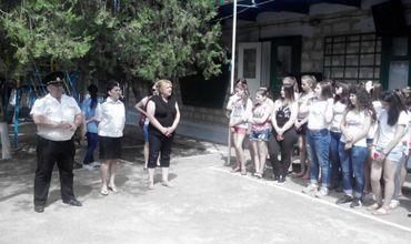 Полицейские проводят профилактические беседы с участниками летних лагерей в Гагаузии.