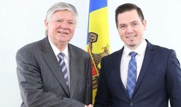 Глава МИДЕИ пригласил своего венгерского коллегу в Молдову