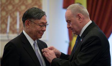 Стороны приветствовали открытие дипмиссий в Кишиневе и Токио, которое состоится в ближайшее время.