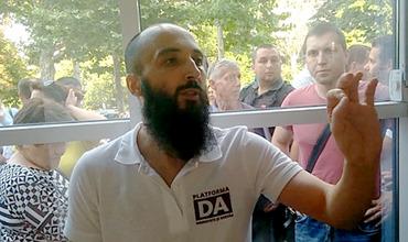 Судьи отклонили ходатайство адвокатов Петика об отмене ареста