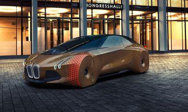 В 2021 году на рынок выйдет первая беспилотная машина марки.