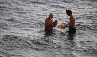 O turistă din Rusia a născut în apele Mării Roșii din Egipt.