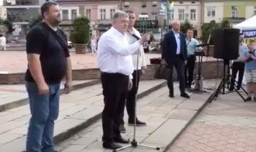 """Порошенко пригрозил за выкрики """"Ганьба!"""": """"По морде получите"""""""