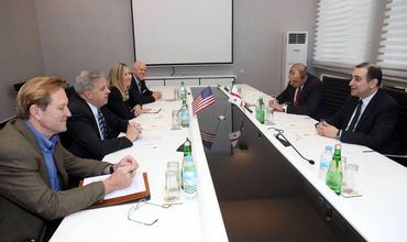 განათლების მინისტრი აშშ-ს ელჩს საქართველოში იან კელის შეხვდა