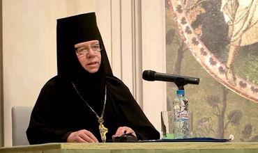 Священнослужительница была завербована 3 февраля 1987 года и получила оперативный псевдоним «Вероника».