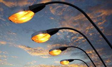На одной из улиц сектора Рышкановка обновили систему освещения