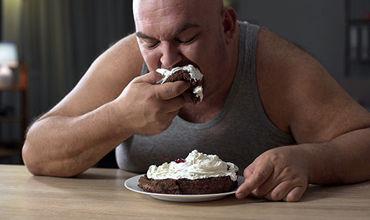 Ожирение не только повышает нагрузку на скелет, способствует развитию проблем с метаболизмом.