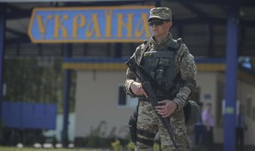 Молдаванин пытался провезти через украинскую границу контрабандные сигареты.